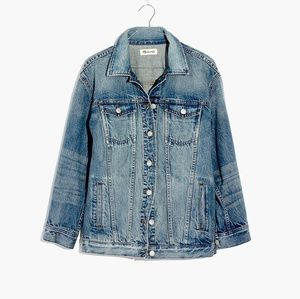 Oversized Jean Jacket in Capstone Wash